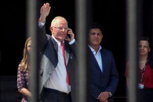 彈劾投票前一天 秘魯總統宣布辭職