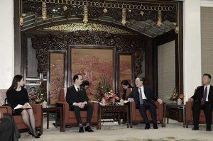 兩會後王岐山迅速入角色 外交首秀會晤菲外長
