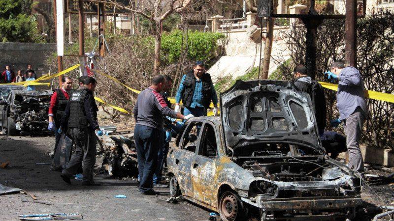 锁定警察首长 埃及汽车爆炸攻击2死4伤(视频)
