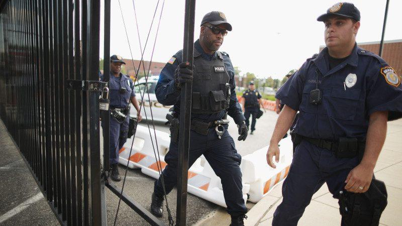 華府軍事基地發現爆炸物包裹 1名嫌犯被捕
