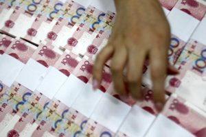 用人民幣貶值打貨幣戰?高盛:未傷美國先傷自己