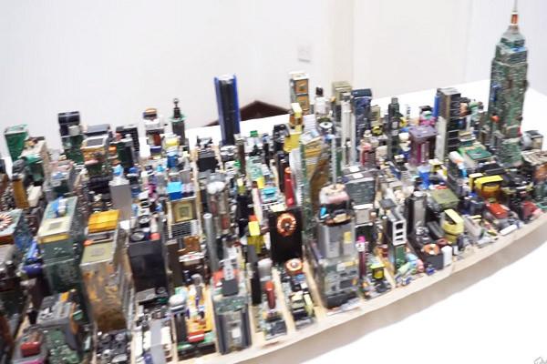 非洲少年花3個月 打造「曼哈頓中城」迷你版