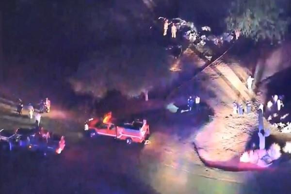 美小飞机坠毁高尔夫球场 机上6人全罹难