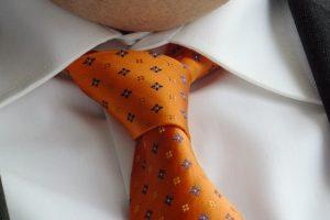 教你5秒打好领带 快学起来吧(视频)