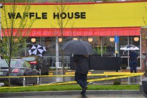 美警方抓获餐厅枪手 为安全公校一度全面停课