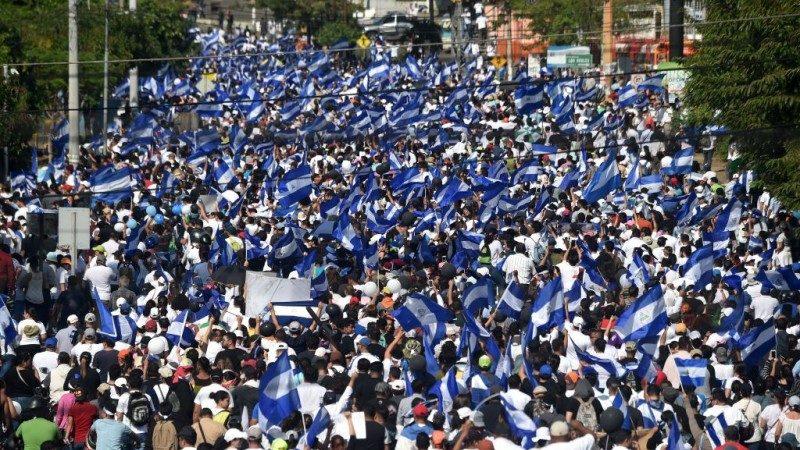 尼加拉瓜年改急撤无效 社会动乱至少27死