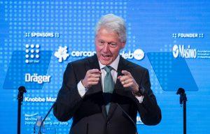 继续寻找败选替罪羊 这次克林顿怪到《纽时》头上