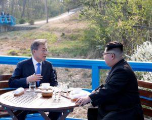 韩朝峰会差点用翻译 金正恩瑞士腔朝语雷倒韩国人