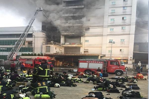 慟!桃園敬鵬廠惡火 警消5殉職2命危2泰工亡