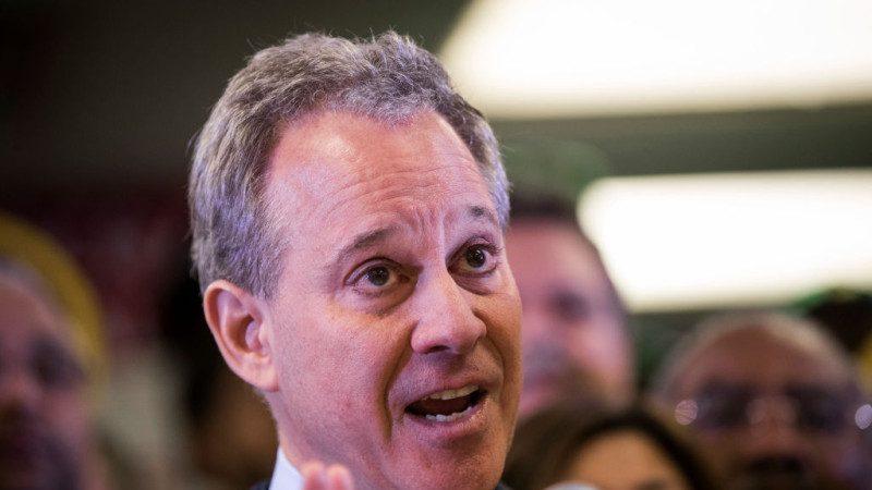 4女指控遭威胁虐打 纽约州检察长宣布辞职