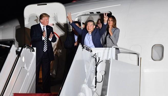 美媒:川普外交重大胜利 密谈90分钟带回人质