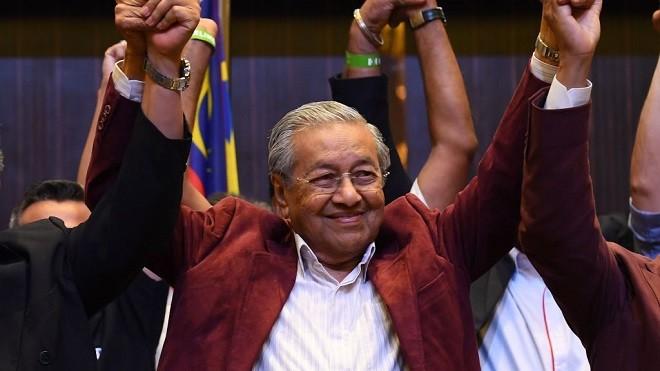 """退党之后再执政 马来西亚""""变天""""冲击中共"""