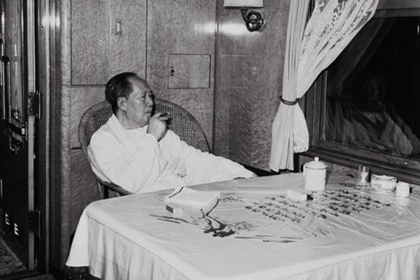 揭秘1955年「通天大案」:毛澤東專列被擊破