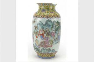 英老婦舊花瓶意外賣得8.7萬英鎊 原來是乾隆御製