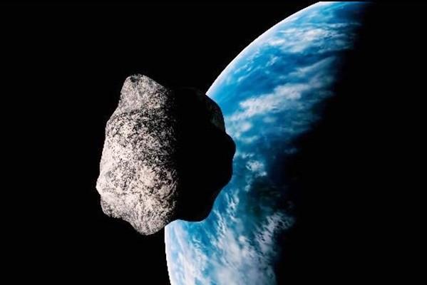 """足球场般大小行星 """"近距离""""飞掠地球"""