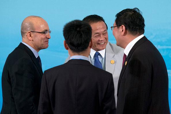 日副相谈川金会说漏嘴:希望朝鲜破飞机别坠机