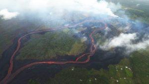 夏威夷火山熔岩流量增 阻出島交通 威脅發電廠