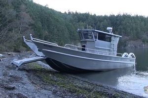 长脚走路的变形金刚船!上岸下水全靠自己来