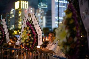 香港人没有遺忘六四 11萬人逼爆維園(組圖)