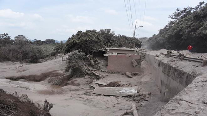 危地馬拉火山40年來大噴發 73人死全國橙色以上警戒