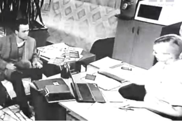 打開時空之門的烏克蘭男子 從1958年穿越到2006年?