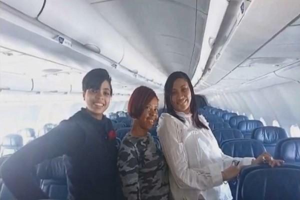 兩女搭上「驚奇航班」 經濟艙免費升等 好戲還在後頭