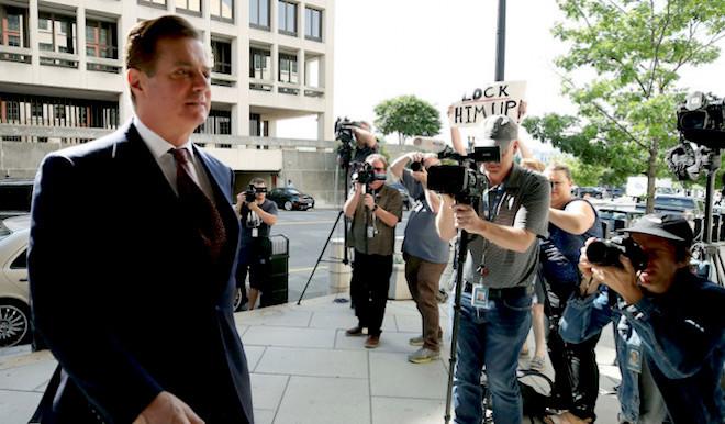 馬納福特保釋被撤入獄 川普質疑法官:他是暴徒?