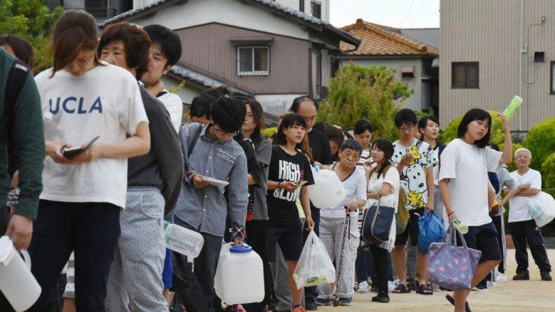大阪餘震不斷民眾難眠 超市被搶購一空