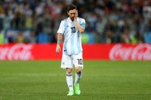 """克罗地亚3比0大胜 梅西表情如犯""""偏头痛"""""""