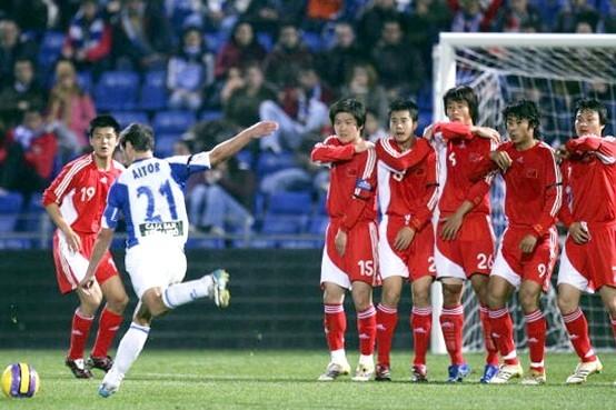 中國足球為何踢不出去 央視名嘴一語道破