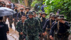 英救人拍档远赴泰国成英雄 如何带人出来是考验
