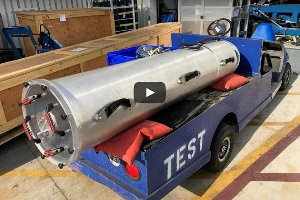 洞穴救人「利器」曝光 馬斯克秀出「小型潛水艇」