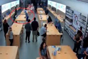 眾目睽睽之下!歹徒30秒閃電搜括蘋果專賣店