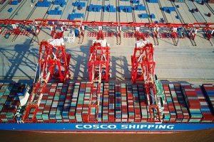 美媒:中美贸易战已无退路 结果或比冷战更甚