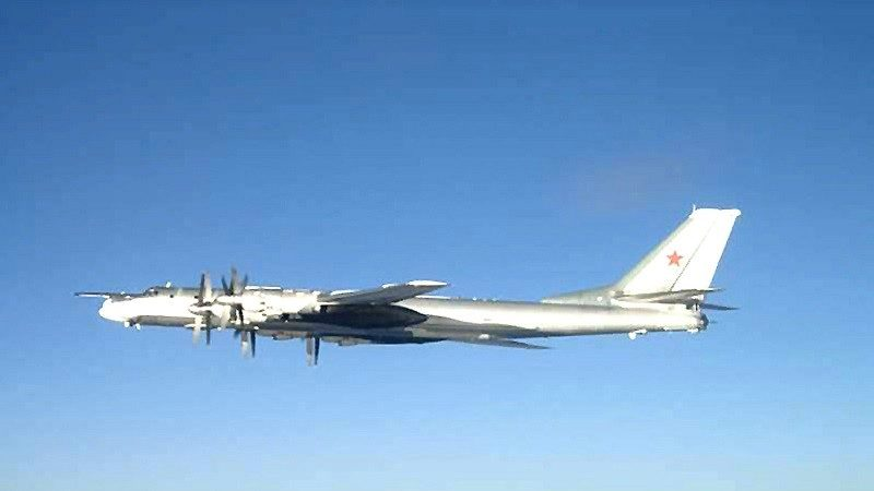 俄机1天4闯防空区 韩10多架战机紧急升空伴飞