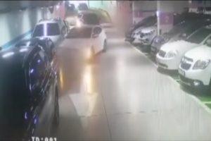 把妈妈吓出一身冷汗!韩9岁童开车上路 连撞10辆车才回家