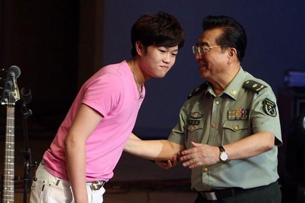 网传李双江儿子提前5年释放 曾涉嫌轮奸判刑10年