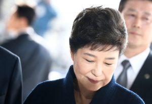 朴槿惠另涉2案 加重罪刑8年沒收33億韓元