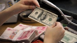 貿易戰變金融戰? 分析:中共放任人民幣暴貶