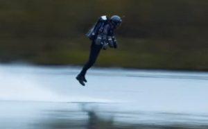 飛翔夢想可成真!倫敦開售鋼鐵俠飛行套裝(視頻)