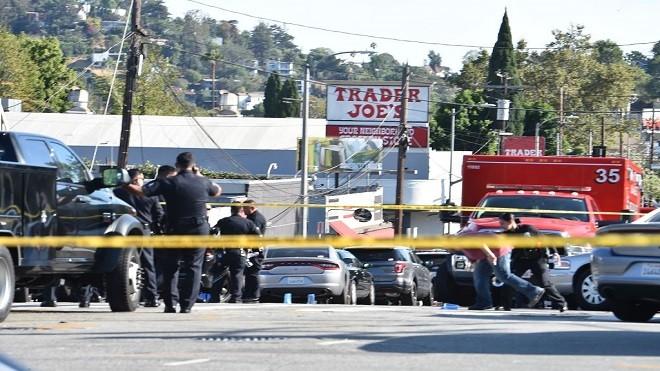 洛杉矶枪手拒捕闯入超市挟人质 与警对峙酿1死(视频)