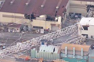 神戶製鋼所130噸起重機側翻 1死3傷