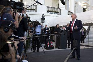 唐浩:民調不降反升 媒體對川普的砲轟為何失效(上)