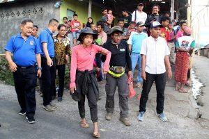 印尼强震引山崩 543名受困游客安全撤出