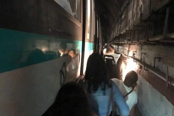 巴黎大停电 地铁停摆数百人摸黑疏散(视频)