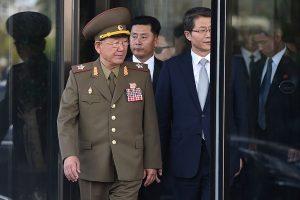 前朝鲜二号人物黄炳誓频现身 脱去戎装被降级