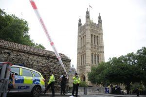 英男開車高速衝撞國會釀2傷 反恐單位調查