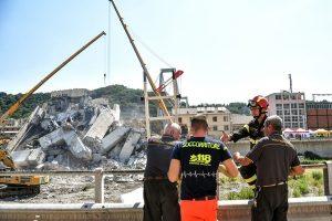 意大利天桥坍塌38死 专家:至少300座桥有崩塌风险