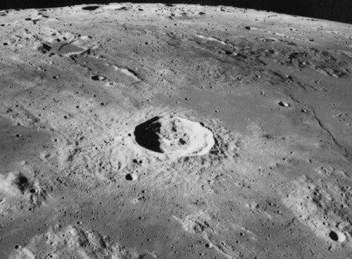月球環形山之謎 智慧生命改造的衛星