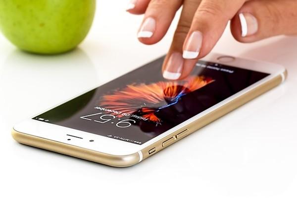 英研究:手机萤幕细菌比马桶座脏3.5倍